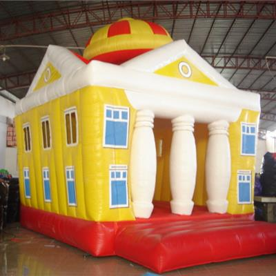 Inflatable councy castle house