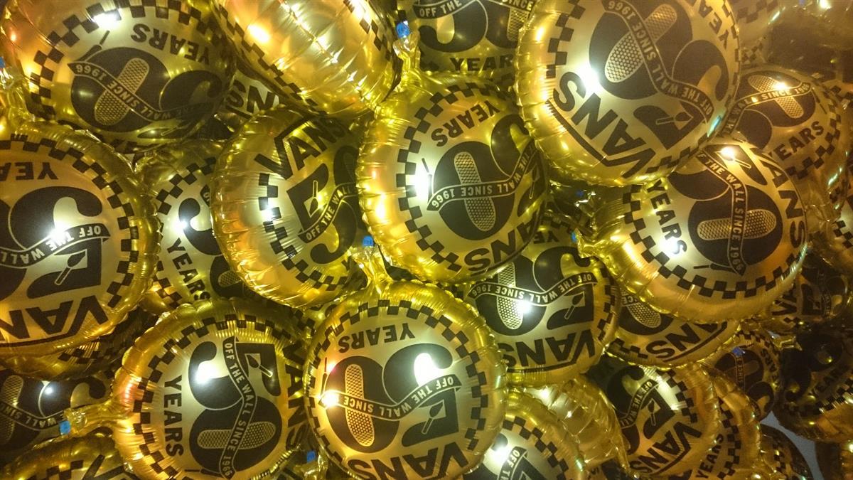 18 Gold Foil Balloons For House Of Vans 50th Birthday